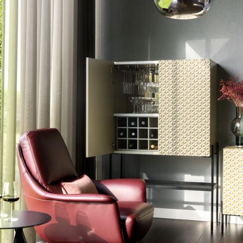 640x960-Tango-W170-KLER-a-1NO2-fotel-bordowy-9839